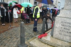 Sean laying wreath Cenotaph Holyhead